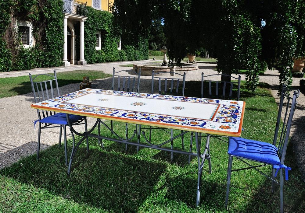 tavolo decoro ricco deruta